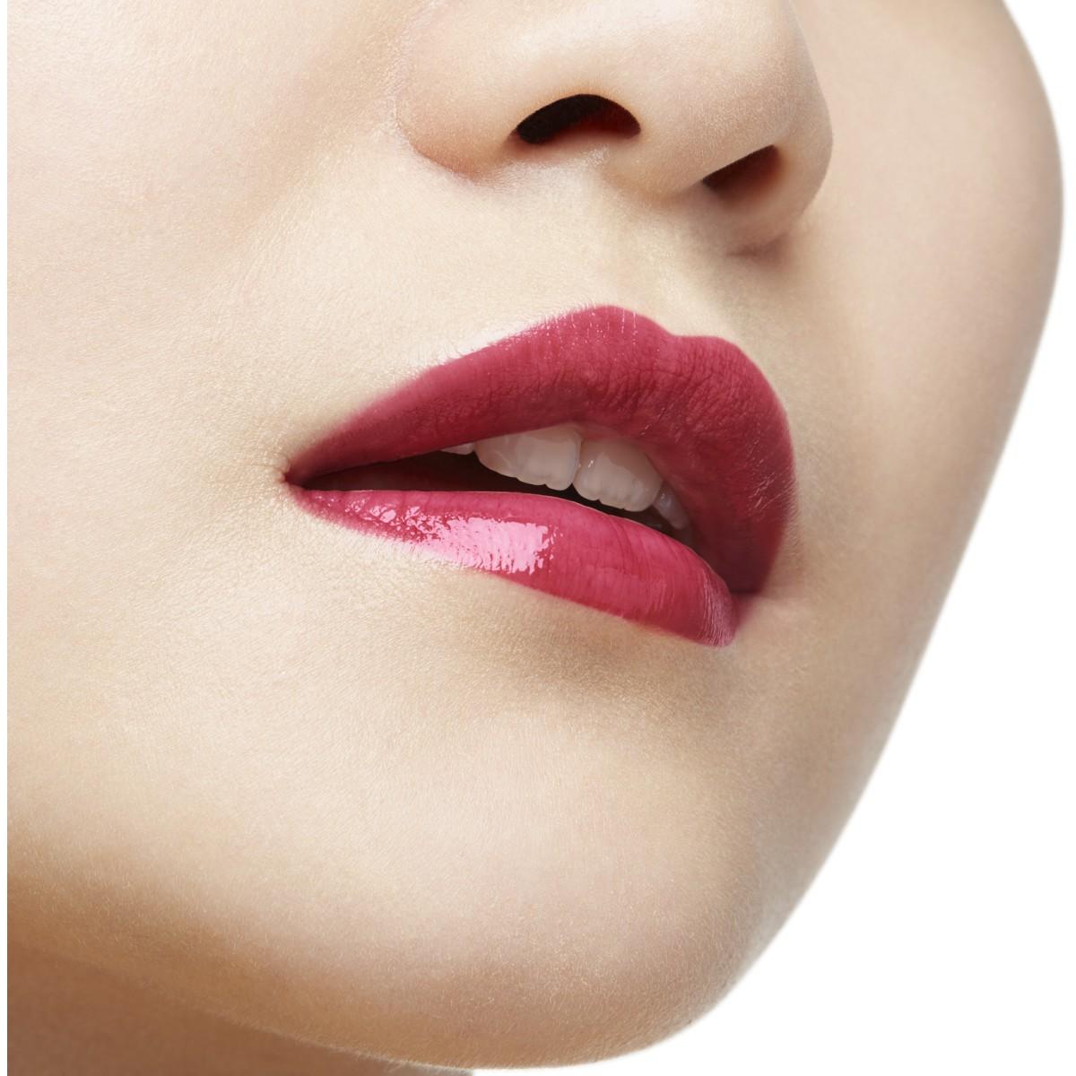 Woman Beauty - Loubibelle - Christian Louboutin