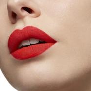 Woman Beauty - Diva - Christian Louboutin